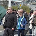 Wollte lieber alleine sein: Martin Schlechte (in Schwarz, mit Sonnenbrille) in Plauen am 1. Mai 2016. (Photo: Presseservice Rathenow)